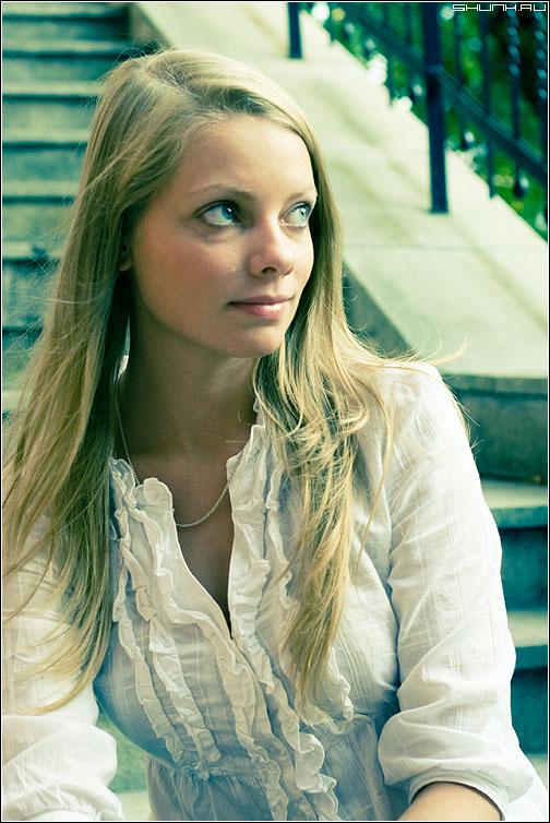 И опять взгляды... - фотопрогулка цвет девушка глаза волосы фото фотосайт