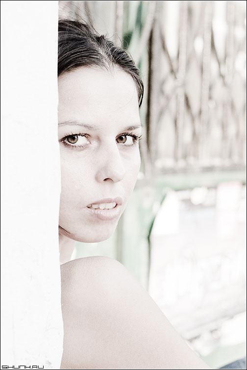 Светлое - девушка взгляд светлое угол кари фото фотосайт