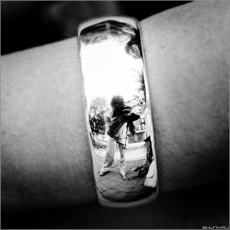 Искажения - квадрат чернобелая я отражение браслет фото фотосайт