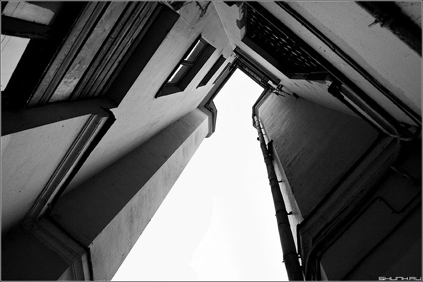 Небесное - дом здание чб небо фото фотосайт