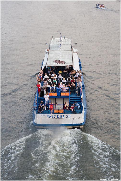 Москва - 28 - москва река пароход теплоход люди фото фотосайт