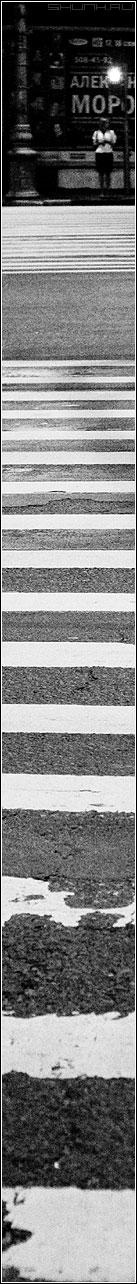 А на том берегу... - девушка столб светофор зебра переход чернобелая фото фотосайт