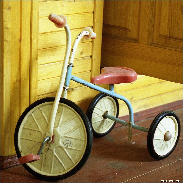Трехколесный... - велосипед детвтво пленка kodak квадрат фото фотосайт