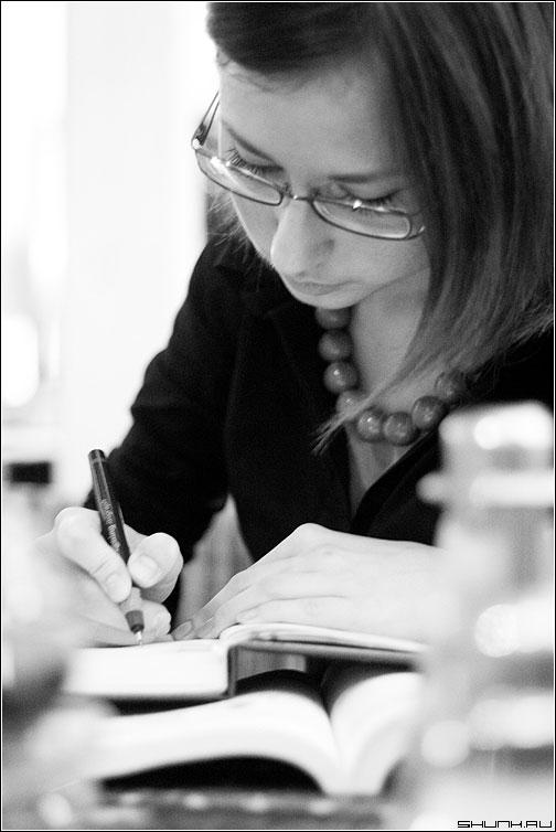 Она написала убийство... - сашуля девушка ежедневник ручка черно-белая фото фотосайт