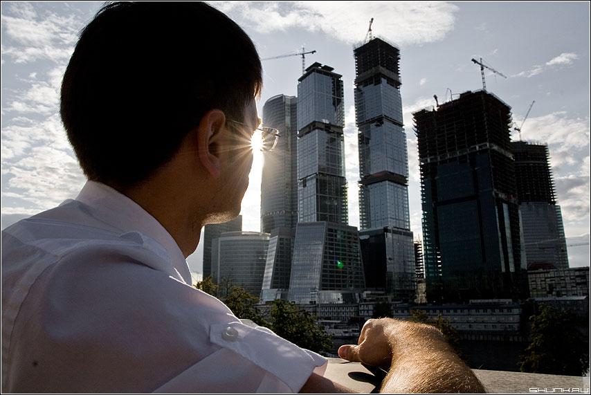 Москва не сразу строилась - рекламное город москва сити стройка фото фотосайт