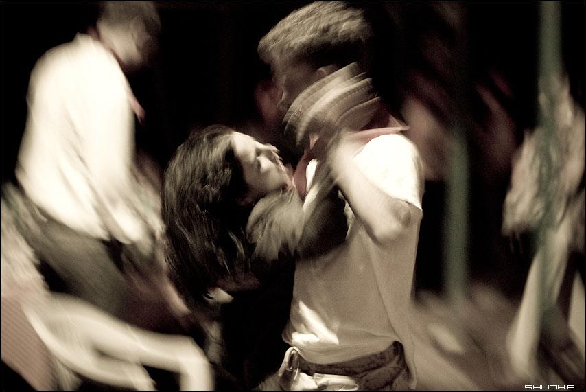 В танце - пионеры лагерь танцы он она тема смаз фото фотосайт
