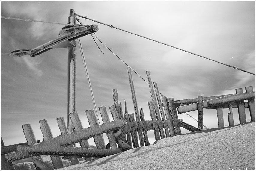 Про подъемник - снег зима черно-белая забор никель фото фотосайт