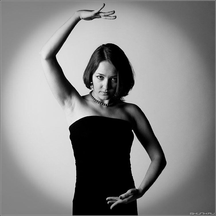 В круге своя... - сяся портрет руки студия квадрат фото фотосайт