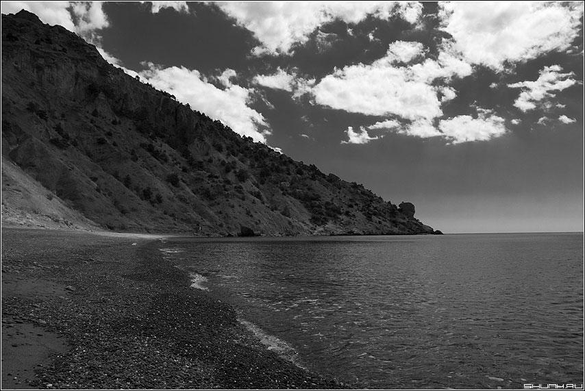 Чернобелые воспоминания - крым берег море черно-белая фото фотосайт