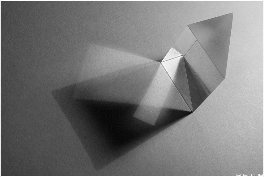 Про Свет - свет призма черно-белая графика фото фотосайт
