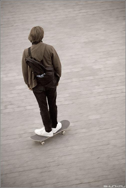 Студент - студент парень обработка доска улица фото фотосайт