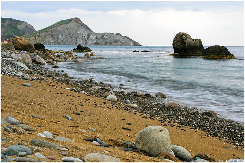 Еще один вид - крым море берег камушки глыбы небо обработка фото фотосайт
