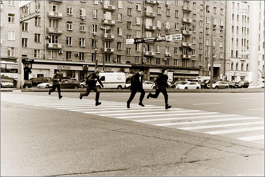 «Abbey Road» - ребята переход антибитлз дорога фото фотосайт