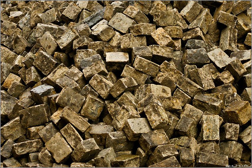 Брусчатка - обои брусчатка камни золото много фото фотосайт