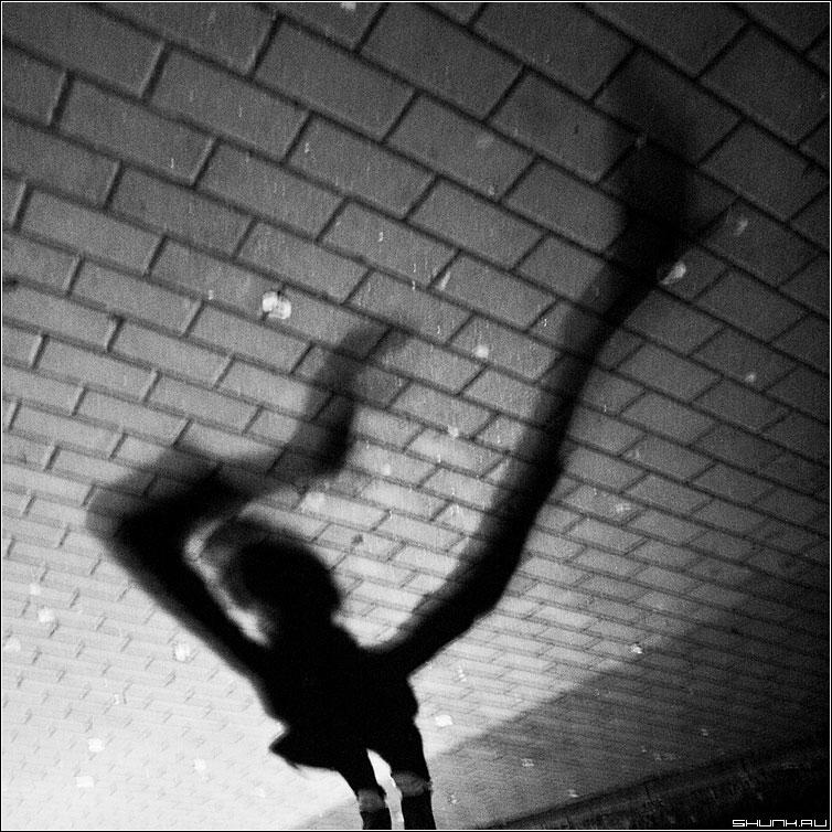 Игры с тенями 1 - тень квадрат чёрнобелое свет фото фотосайт