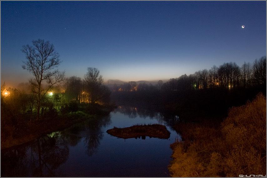 Осенний рассвет - утро деревня протва река луна верея рассвет фонари фото фотосайт