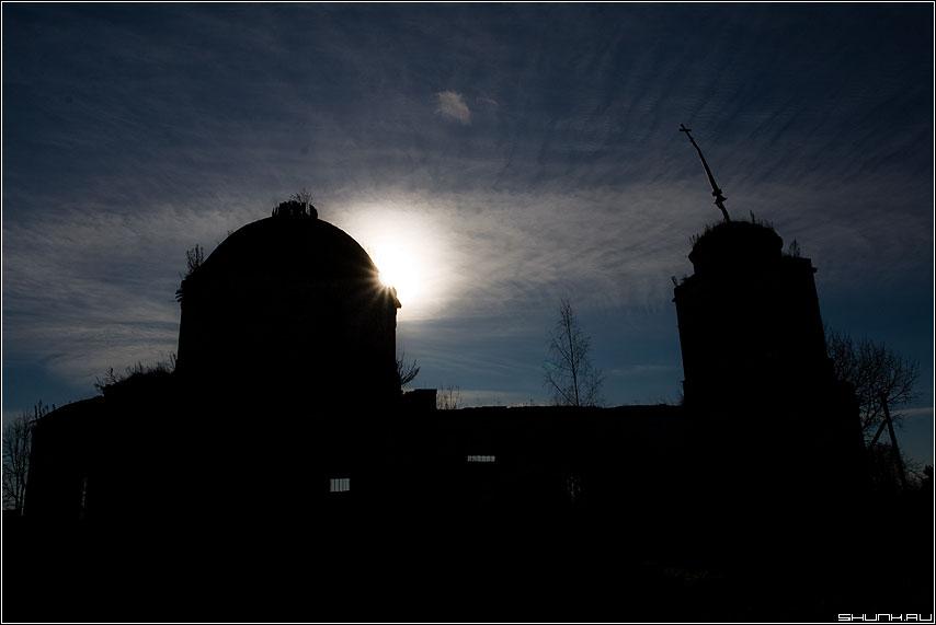 Духовное затмение - затмение солнце небо церковь облачка контраст фото фотосайт