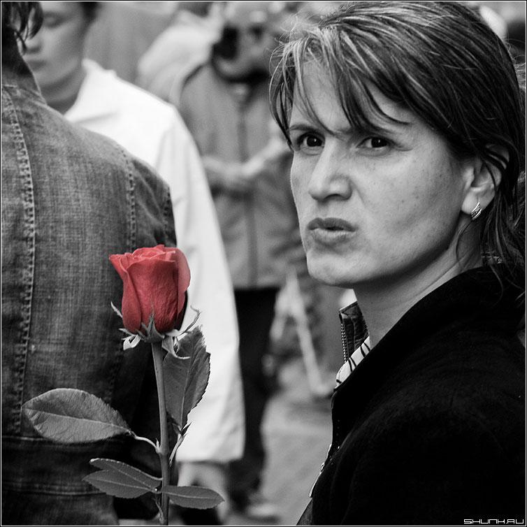 Про одно свидание - роза женщина красная цвет портрет фото фотосайт