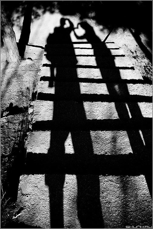 Теневая - тени чёрно-белое крым фотограф фотолюди фото фотосайт