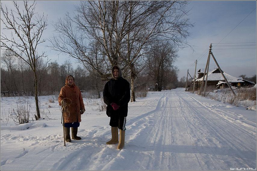 С Рождеством Христовым... - бабушки деревня встреча дорога таложня подольцы зима фото фотосайт