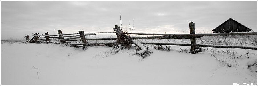 Заборные дали, мои... - деревня забор изгородь снег зима зимнее пейзаж фото фотосайт