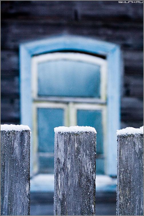 ШО - окно забор снег снежок элемент фото фотосайт