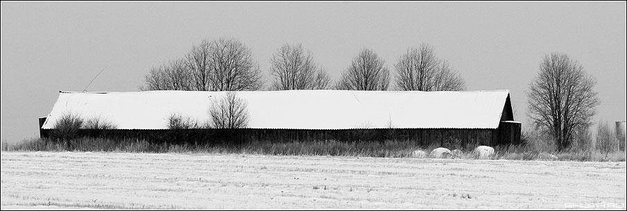 Мне б дом такой... - сарай зима деревья 90x30 фото фотосайт