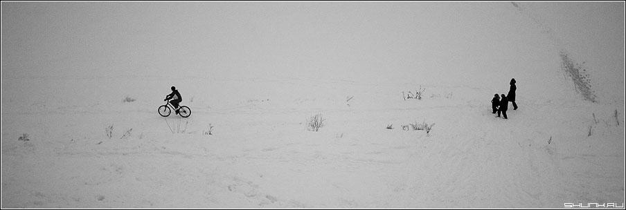 Вело - зима вело 90x30 люди чёрно-белое фото фотосайт