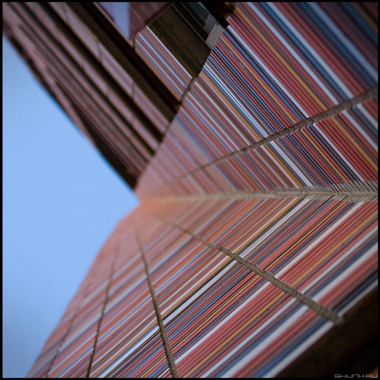Углы - квадрат среднийформат цвет здание угол фото фотосайт