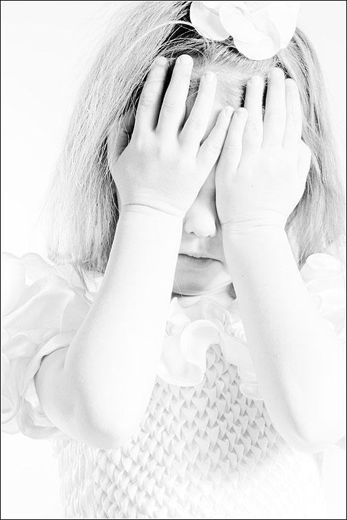 Светлый портрет - ребенок руки портрет дети фото фотосайт