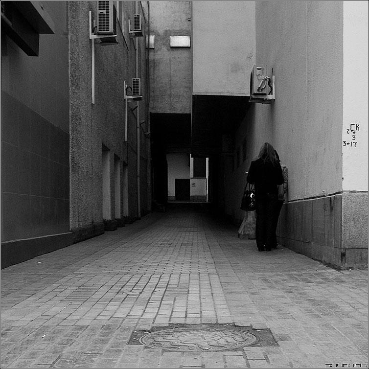 Теорема Римана о перестановке слогаемых условно сходящегося ряда - теорема улица квадратное архитектура люди квадраты фото фотосайт