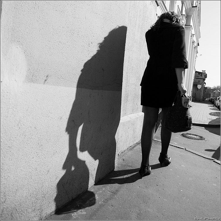 Полутень - девушка утро тень свет квадратная фото фотосайт