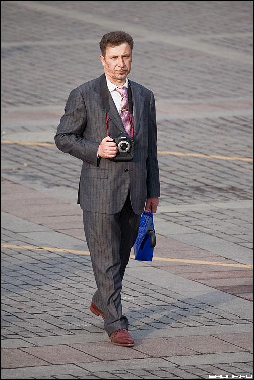 Шпиён 2 - шпион манежка фотоаппарат mark рука спуск фото фотосайт