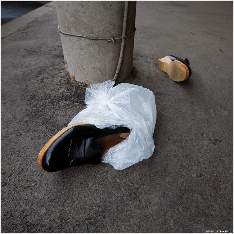 Ботосы - боты ботинки столб пакет фотоответ фото фотосайт