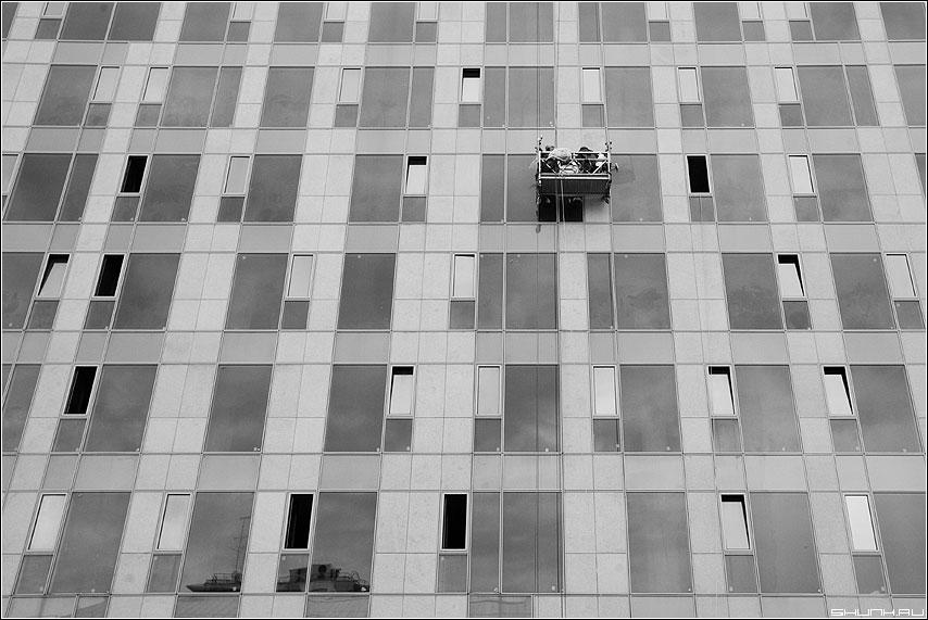 Пароход и вертолет - стена окна здание предрассудок чёрнобелые фото фотосайт
