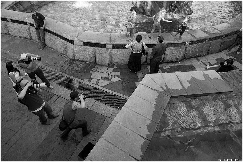 Стреляй, Глеб Егорыч, уйдут!... - манежко фотолюди фотографы группа азиаточки фото фотосайт