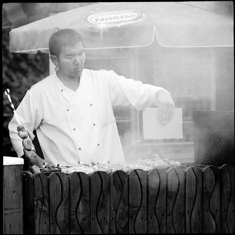 Шашлычник - шашлычник среднийформат квадратное дым таджик фото фотосайт