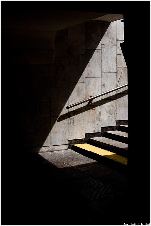 Свет - свет тень переход ступеньки полосы фото фотосайт