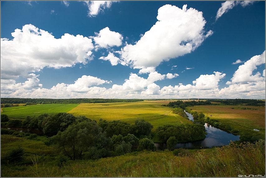Картина неба - небо деревня поля обработка луга просторы облака фото фотосайт