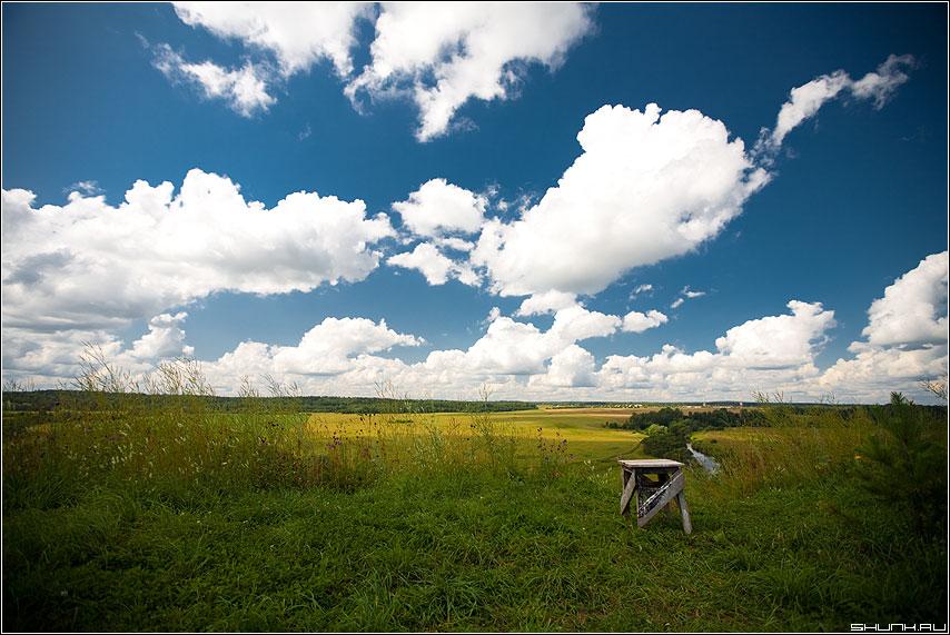 Присядь - небо деревня поля обработка луга просторы облака фото фотосайт