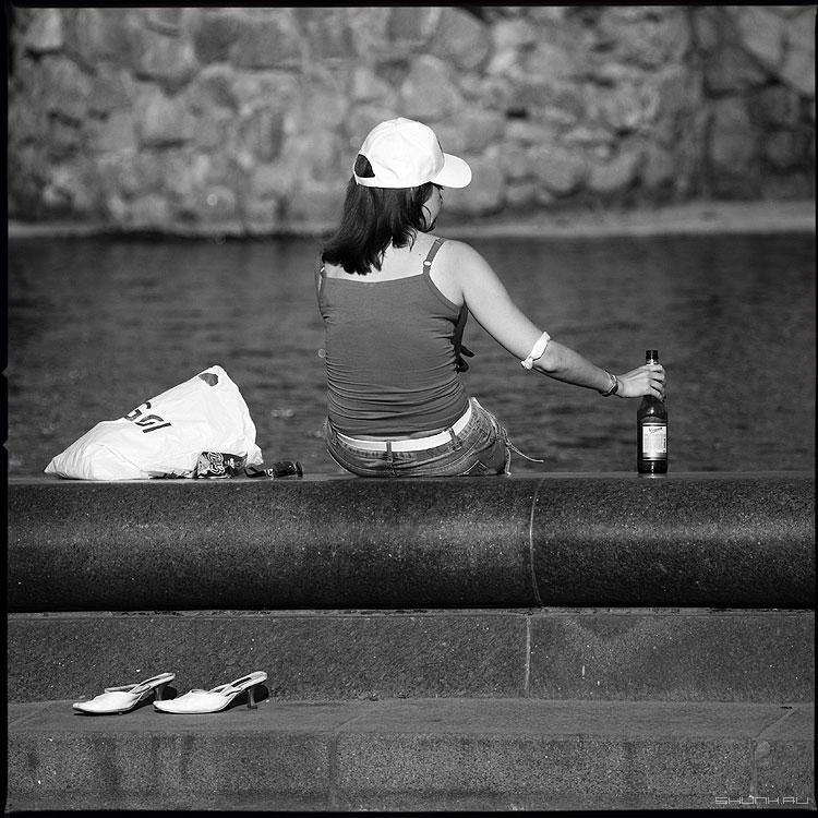 Про пристрастия - люди квадратное девушка фонтан вднх бутылка туфельки фото фотосайт