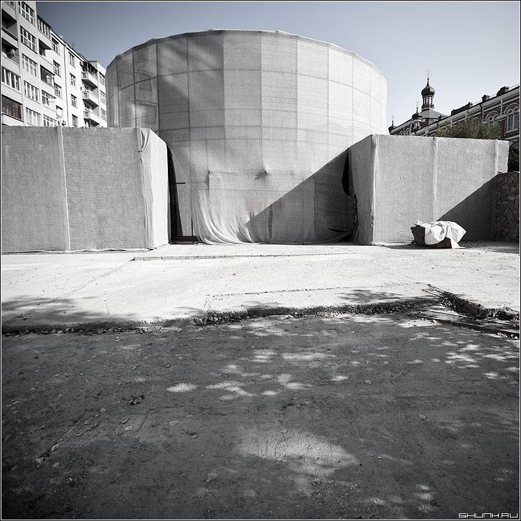 Марлево теневой предрассудок - марля стройка тень вечность небо архитектура фото фотосайт