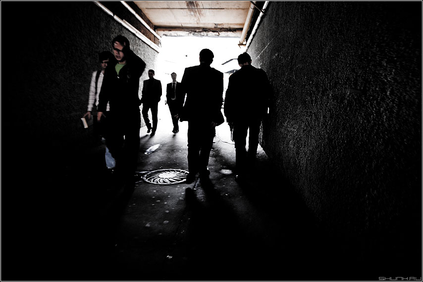 Переходноарочное - луди силуэты переход арка обед мужики люди фото фотосайт