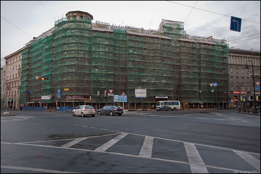 Кумуфляж Питера - питер санкт-петербург кумуфляж сетка стройка реставрация улица фото фотосайт