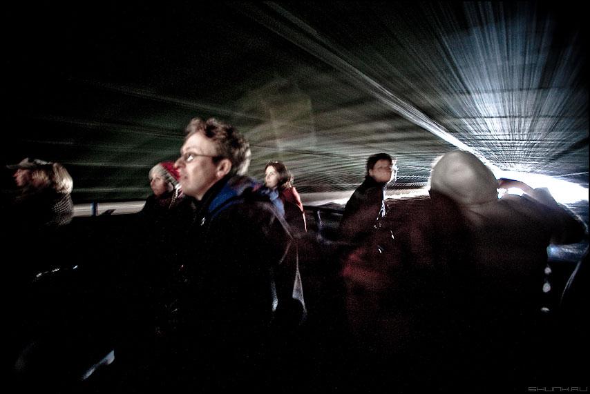 Движение под мостом - питер санкт-петербург мост движение люди прогулка фото фотосайт
