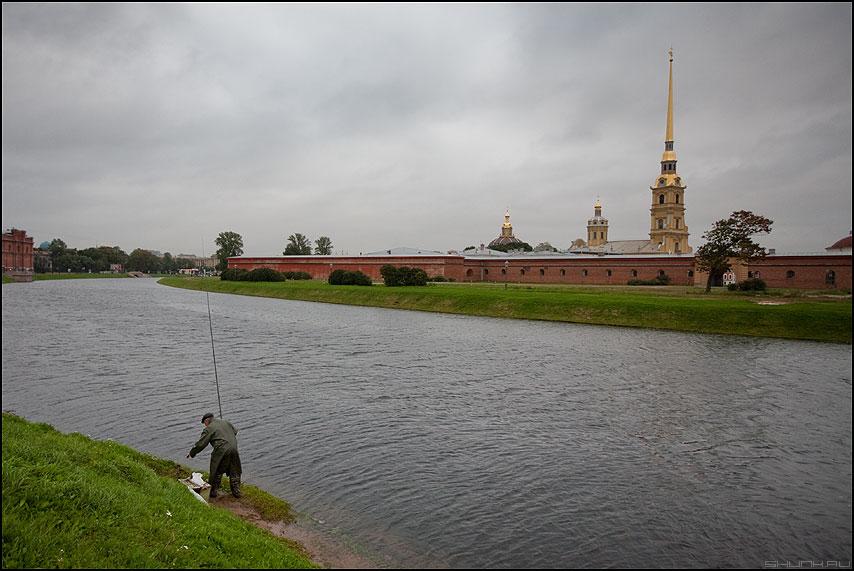 Шпиль - питер санкт-петербург шпиль рыба рыбак фото фотосайт