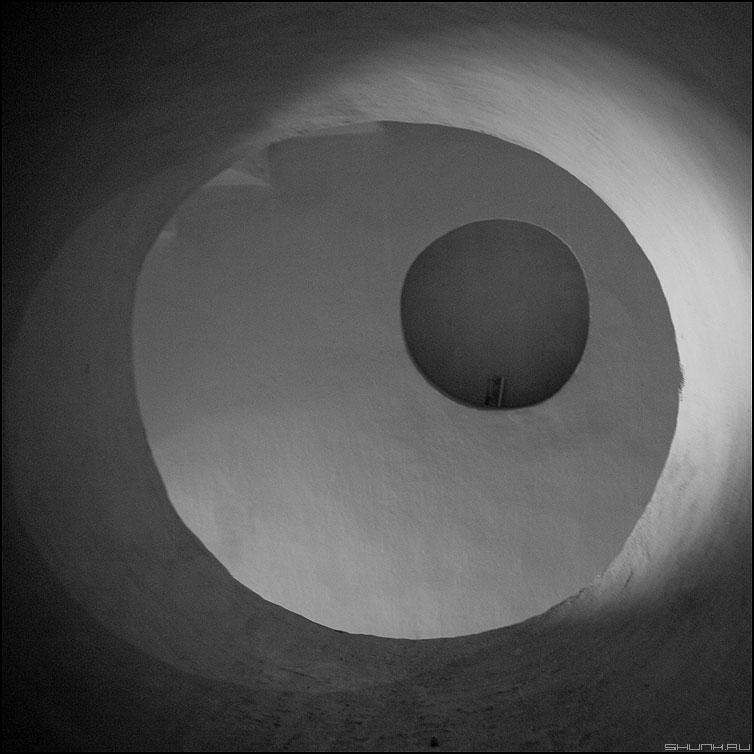 Вариант - круги квадратное окружности чёрнобелое петропавловка фото фотосайт