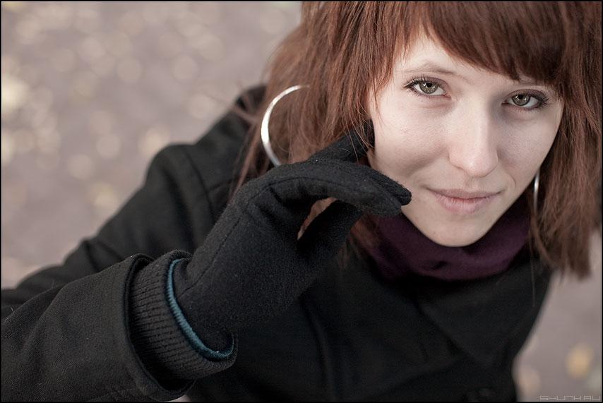 Мимолетное - дашо девушка осень перчатки взгляд глаза фотопрогулка фото фотосайт