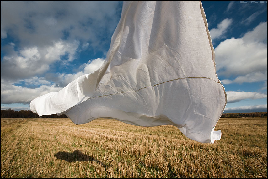 Как фанера над Парижем - простыня деревня поле осень небо облачка эксперименты фото фотосайт