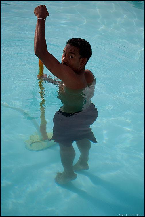 чистильщик бассейнов онлайн